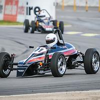 Bruce Allen entering Turn 1 at Wanneroo Raceway in his Daveric MK6 1200cc Formula Vee.