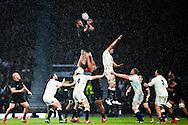 New Zealand's Kieran Read gathers a linout - QBE Autumn Internationals - England vs New Zealand - Twickenham Stadium - London - 08/11/2014 - Pic Charlie Forgham-Bailey/Sportimage
