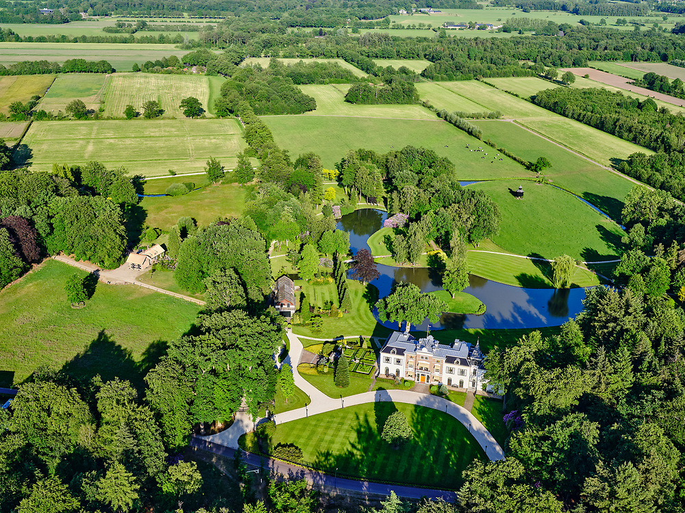 Nederland, Gelderland, Leusden, 14–05-2020; Familielandgoed Landgoed Den Treek-Henschoten.<br /> <br /> luchtfoto (toeslag op standaard tarieven);<br /> aerial photo (additional fee required)<br /> copyright © 2020 foto/photo Siebe Swart