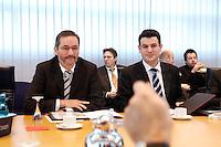 23 JAN 2006, BERLIN/GERMANY:<br /> Matthias Platzeck (L), SPD Parteivorsitzender, und Hubertus Heil (R), SPD Generalsekretaer, vor Beginn einer Sitzung des SPD Praesidiums, Willy-Brandt-Haus<br /> IMAGE: 20060123-01-010