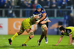 Zach Mercer of Bath Rugby takes on the Leicester Tigers defence - Mandatory byline: Patrick Khachfe/JMP - 07966 386802 - 04/11/2016 - RUGBY UNION - The Recreation Ground - Bath, England - Bath Rugby v Leicester Tigers - Anglo-Welsh Cup.