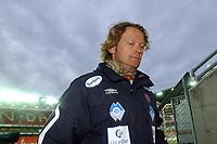 Fotball Eliteserien 10.04.05 - Rosenborg ( RBK ) - Aalesund  2-2, hovedtrener Ivar Morten Normark var nok en smule skuffet over at det ikke holdt helt inn                             <br /> Foto. Carl-Erik Eriksson, Digitalsport