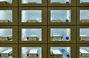 Nederland, Amsterdam, 13-6-2019In de RAI vond een beurs plaats voorde glastuinbouw en bloementeelt . Nadruk lag op de verticale teelt van gewassen met behulp van ledverlichting. Veel bedrijven maar vooral bezoiekers komen uit het buitenland. Met name uit Azie, china . Een automatiek met vegetarische lunch . Vegetarisch, vegetarian, en vegan, veganistisch,fastfood .Foto: Flip Franssen