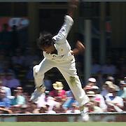 Mohammad Sami bowling during the Australia V Pakistan 2nd Cricket Test match at the Sydney Cricket Ground, Sydney, Australia, 6 January 2010. Photo Tim Clayton