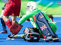 RIO DE JANEIRO  (Brazilië) -  Thomas Briels (Belg.) stopped by Goalkeeper George Pinner (GB) ) during the poulematch hockey men Belgium v Great Britain (4-1), Olympic Games 2016 <br /> Copyright Koen Suyk