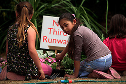 UNITED KINGDOM HEATHROW 25MAY09 - Chelsea flowers get a second lease of life as protesters participate in a guerrilla gardening action in villages around Heathrow airport. Top garden designers, local residents, eco-activists and guerrilla gardeners are teaming up with Greenpeace to move and replant hundreds of plants from this year's show, to highlight the devastation the third runway will cause...jre/Photo by Jiri Rezac / GREENPEACE..© Jiri Rezac 2009