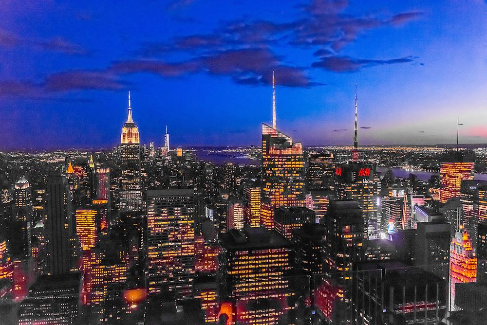 Midtown Manhattan Skyline at twilight, New York, New York USA.