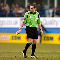Photo: Leigh Quinnell.<br /> Luton Town v Hull City. Coca Cola Championship. 04/02/2006. Referee K.A. Friend.