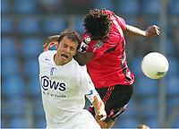 15.08.2004, v.l. Vratislav Lokvenc, Roque Junior Leverkusen<br /> Bundesliga VfL Bochum - Bayer 04 Leverkusen