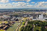 Nederland, Zuid-Holland, Rotterdam, 15-07-2012; Het Park met Euromasturomast met rechts hiervan ingang Maastunnel, rechtsmidden  Erasmus MC  (Dijkzigtziekenhuis). .Zicht op het Nieuwe Westen, Middelland en het Oude Westen (vlnr) E; links de Parkhaven met sluizen richting Coolhaven; links van de schutsluis de Jobsweg, begin van havengebied. ..Vew on Rotterdam, Euro Tower (Euromast), entrance of the tunnel to the Southern part of the city...luchtfoto (toeslag); aerial photo (additional fee required)..foto Siebe Swart / photo Siebe Swart