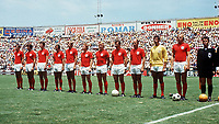Fotball<br /> Foto: Fotosports/Digitalsport<br /> NORWAY ONLY<br /> <br /> WORLD CUP  GERMANY V ENGLAND (3-2)  14/06/1970<br /> ENGLAND TEAM<br /> MARTIN PETERS, GEOFF HURST BRIAN LABONE, TERRY COOPER, KEITH NEWTON, ALAN BALL, FRANCIS LEE, ALAN MULLERY, BOBBY CHARLTON, PETER BONNETTI, BOBBY MOORE