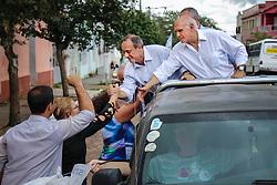 """O candidato a governador do Estado pela coligação """"O Rio Grande Merece Mais"""", Vieira durante carreata em São Gerônimo. FOTO: Jefferson Bernardes/ Agência Preview"""