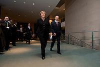 16 JAN 2009, BERLIN/GERMANY:<br /> Wladimir Putin (L), Ministerpraesident Russland, und Angela Merkel (R), Bundeskanzlerin, auf dem Weg zur Pressekonferenz, Bundeskanzleramt<br /> IMAGE: 20090116-01-020<br /> KEYWORDS: Vladimir Putin