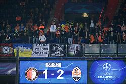 17-10-2017 NED, UEFA CL, Feyenoord - FC Shakhtar Donetsk, Rotterdam<br /> UEFA Champions League Round of 16, 3rd Leg match between Feyenoord vs. Donetsk at the stadion DE Kuip in Rotterdam / Scorebord geeft 2-1 aan