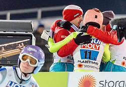 04.03.2017, Lahti, FIN, FIS Weltmeisterschaften Ski Nordisch, Lahti 2017, Skisprung Herren, Team, im Bild Michael Hayboeck (AUT), Manuel Fettner (AUT), Gregor Schlierenzauer (AUT), Stefan Kraft (AUT) jubeln, Andreas Wellinger (GER) entäuscht // Michael Hayboeck of Austria Manuel Fettner of Austria Gregor Schlierenzauer of Austria Stefan Kraft of Austria celebrate Andreas Wellinger of Germany during Mens Team Skijumping of FIS Nordic Ski World Championships 2017. Lahti, Finland on 2017/03/04. EXPA Pictures © 2017, PhotoCredit: EXPA/ JFK