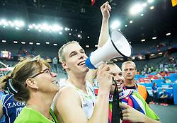 08-09-2015 CRO: FIBA Europe Eurobasket 2015 Slovenie - Nederland, Zagreb<br /> De Nederlandse basketballers hebben de kans om doorgang naar de knockoutfase op het EK basketbal te bereiken laten liggen. In een spannende wedstrijd werd nipt verloren van Slovenië: 81-74 / Klemen Prepelic of Slovenia saying Thank You to Slovenian supporters after winning. Photo by Vid Ponikvar / RHF