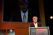 Uitreiking Heinekenprijzen 2008 in de Beurs van Berlage te Amsterdam waar Willem Alexander zes grote internationale prijzen uit op het gebied van wetenschap en kunst. De prijsuitreiking vindt plaats tijdens een bijzondere zitting van de Koninklijke Nederlandse Akademie van Wetenschappen (KNAW). De Prins houdt op deze bijeenkomst een toespraak waar de magie van de wetenschap centraal staat; het thema dat de KNAW ter gelegenheid van haar tweehonderjarig bestaan gekozen heeft. ///<br /> <br /> Heineken award celebration 2008 in the Beurs van Berlage in Amsterdam where Willem Alexander six large international prices in the field of science and art. This takes place during a particular meeting of the royal Dutch Akademie of sciences (KNAW). The prince keeps on this meeting a speech where the magic of science central state; the topic which the KNAW have chosen existence on the occasion of its twohunderd year celebration.<br /> <br /> <br />   <br /> <br />  On the Photo: Prince Willem Alexander