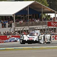 #20 Porsche 919 Hybrid, Porsche Team (drivers: Bernhard, Hartley, Webber) LM P1-H, at Le Mans 24H, 2014