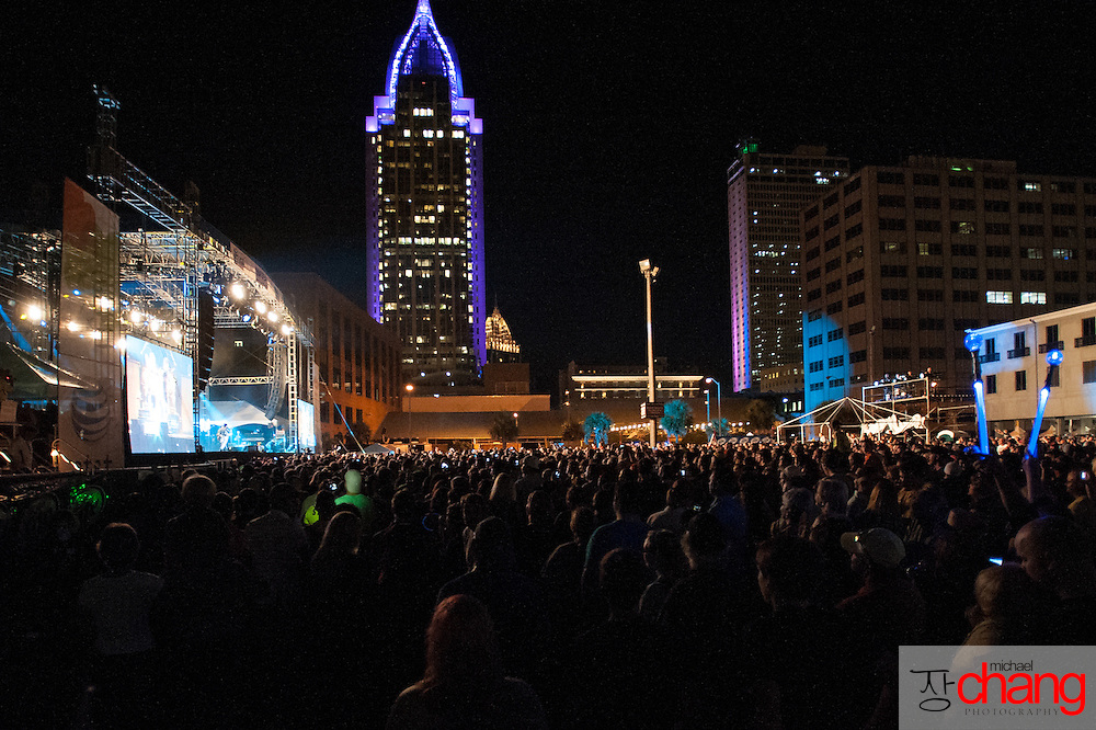 Fans during Bay Fest on Friday, Oct. 5, 2012, in Mobile, Ala. (Bay Fest/ Michael Chang)