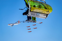 16.01.2020, Lauberhorn, Wengen, SUI, FIS Weltcup Ski Alpin, Vorberichte, im Bild Patrouille Suisse mit F/A-18 Swiss Hornet // Patrouille Suisse with F/A-18 Swiss Hornet during a preliminary reports prior to the FIS ski alpine world cup at the Lauberhorn in Wengen, Switzerland on 2020/01/16. EXPA Pictures © 2020, PhotoCredit: EXPA/ Johann Groder