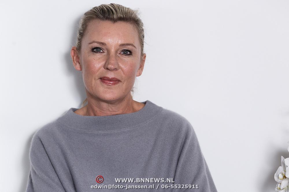 NLD/Amsterdam/20131101 - Schrijfster Saskia Noort