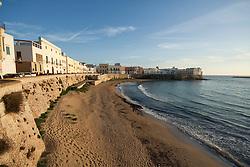 """Spiaggia della """"Purità"""" nella città vecchia di Gallipoli"""