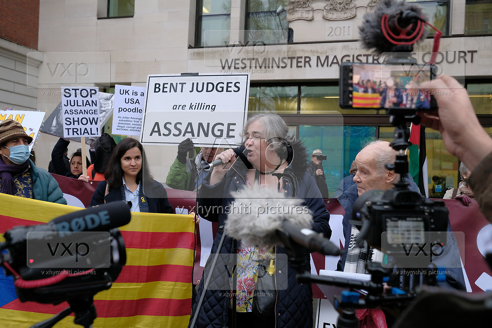 The WikiLeaks publisher remains incarcerated in pre-trial detention at Belmarsh prison as he awaits Judge Vanessa Baraitser's decision over whether or not he should be extradited to the United States to face charges of espionage for his role in publishing classified US documents exposing war crimes and other criminal behaviour.<br /> <br /> An award for Julian Assange was presented outside Westminster Magistrates' Court by the Catalonia Dignity Commission on 11 December 2020. (VXP Photo/ Giovanni Strondl)