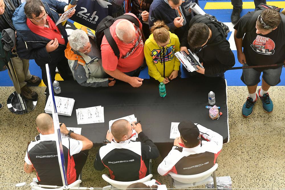 #91 Porsche GT Team Porsche 911 RSR: Richard Lietz, Gianmaria Bruni, Frédéric Makowiecki, autograph session<br /> Tuesday 12 June 2018<br /> 24 Hours of Le Mans<br /> Verizon IndyCar Series<br /> Circuit de la Sarthe  FR<br /> World Copyright: Scott R LePage<br /> LAT Images