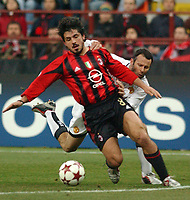 Photo. Daniel Hambury, Digitalsport<br /> AC Milan v Manchester United. 08/03/2005.<br /> UEFA Champions league.<br /> Milan's Gennaro Gattuso and United's Ryan Giggs
