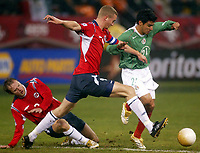 SAN FRANCISCO, CAL   25-01-2006<br /> <br /> <br /> <br /> Moen Petter Vaagan (#9 Norway), Rafael Marquez (#21 Mexico) during friendly match between Mexico and Norway at Monster Park stadium in San Francisco, California, on January, 25, 2006<br /> <br /> <br /> <br /> <br /> <br /> <br /> <br /> FOTO ©ALEJANDRO MELENDEZ  Clasos/Graffiti