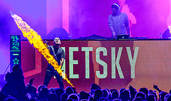 08.11.2015, Kaprun, AUT, WOW Glacier Love Festival, im Bild Netsky Dj Set + Script Mc // Netsky Dj Set + Script Mc on the Mainstage during the WOW Glacier Love Winter Opening Festival in Kaprun, Austria on 2015/11/08. EXPA Pictures © 2015, PhotoCredit: EXPA/ JFK