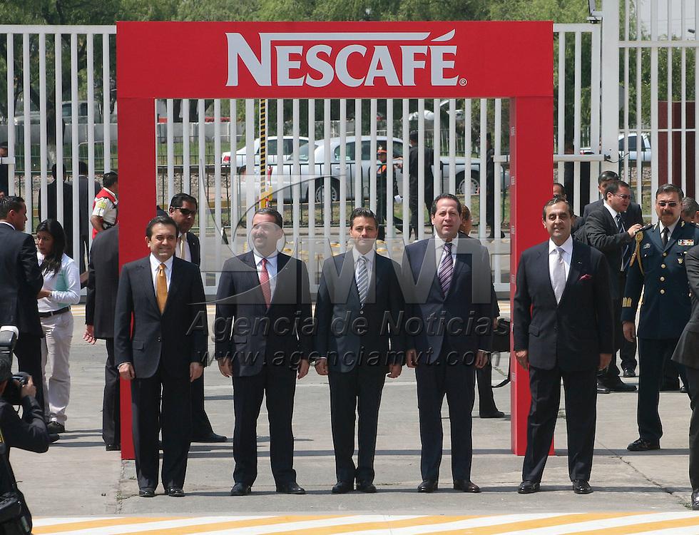 Toluca, Méx.- Enrique Peña Nieto, presidente de la República acompañado por Eruviel Ávila Villegas, gobernador del Estado de México durante la inauguración  de la fábrica de café soluble más grande del mundo que pertenece a la empresa Nestlé.  Agencia MVT / José Hernández