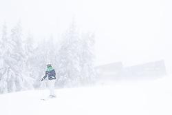 THEMENBILD - In der Steiermark sorgt heftiger Schneefall und Sturm für Behinderungen im öffentlichen Leben und im Straßenverkehr. Hier im Bild eine Skifahrerin im Schnee und Sturm auf der Planai, aufgenommen am Samstag 5. Jänner 2019 auf der Planai in Schladming, Steiermark // In Styria heavy snowfall and storms create disabilities in public life and in traffic. Snow and storm on the Planai, pictured on Saturday 5. January 2019 in Schladming, Steiermark. EXPA Pictures © 2019, PhotoCredit: EXPA/ Martin Huber
