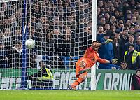 Football - 2018 / 2019 EFL Carabao Cup (League Cup) - Semi-Final, Second Leg: Chelsea (0) vs. Tottenham Hotspur (1)<br /> <br /> Paulo Gazzaniga (Tottenham FC)  goes the wrong way as Chelsea win on penalties at Stamford Bridge <br /> <br /> COLORSPORT/DANIEL BEARHAM