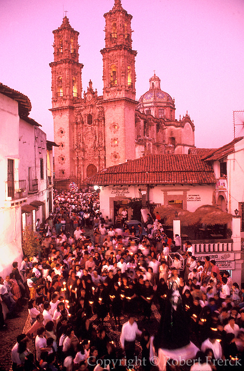 MEXICO, FESTIVALS, SEMANA SANTA Taxco; candlelit procession from Cathedral