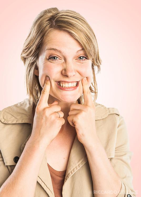 Portrait photography. Contestant from the Canal Évasion television show, Course Évasion autour du monde 2011.