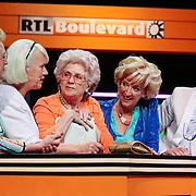 NLD/Hilversum/20120821 - Perspresentatie RTL Nederland 2012 / 2013, Golden Girls, Loes Luca, Pleuni Touw, Cecile Heuer en Beppie Melissen