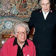 Onthulling wassenbeeld Annie M.G. Schmidt Madame Tussaud's, Beeld met majoor Boszhard