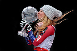 18.03.2018, Aare, SWE, FIS Weltcup Ski Alpin, Finale, Aare, Gesamt Weltcup, Damen, Siegerehrung, im Bild Mikaela Shiffrin (USA, Riesenslalom Weltcup 3. Platz, Slalom Weltcup und Gesamt Weltcup 1. Platz) // Overall World Cup winner Slalom World Cup winner and Giant Slalom World Cup third placed Mikaela Shiffrin of the USA during the allover winner Ceremony for the ladie's Worlcup of FIS Ski Alpine World Cup finals in Aare, Sweden on 2018/03/18. EXPA Pictures © 2018, PhotoCredit: EXPA/ Johann Groder