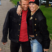 NLD/Amsterdam/20050808 - Deelnemers Sterrenslag 2005, Bart Spring in 't Veld en Louise Schiffmacher - van Teylingen