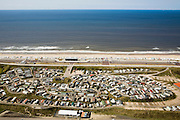 Nederland, Noord-Holland, Zandvoort, 16-04-2008; Caravanpark 'De Duinrand' camping met stacaravans aan de boulevard langs het noordzeestrand tussen Zandvoort en Bloemendaal; zee, strand, duin, duinen..luchtfoto (toeslag); aerial photo (additional fee required); .foto Siebe Swart / photo Siebe Swart