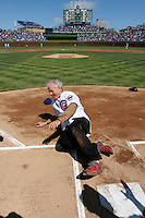 Bill Murray steals home on Opening Day at the Chicago Cubs
