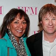 NLD/Loosdrecht/20110502 - Presentatie Fabulous Football Magazine, Erwin Koeman en partner Emmy van Dam