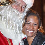 NLD/Amsterdam/20151126 - Perspresentatie The Christmas Show,  Ron Brandsteder als kerstman en Edsilia Rombley