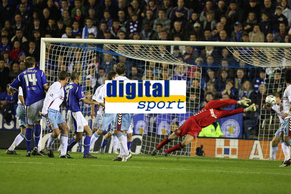 Photo: Pete Lorence.<br />Leicester City v Aston Villa. Carling Cup. 24/10/2006.<br />Leicester's Patrick Kisnorbo scoring a last minute equaliser to take the game into extra time.