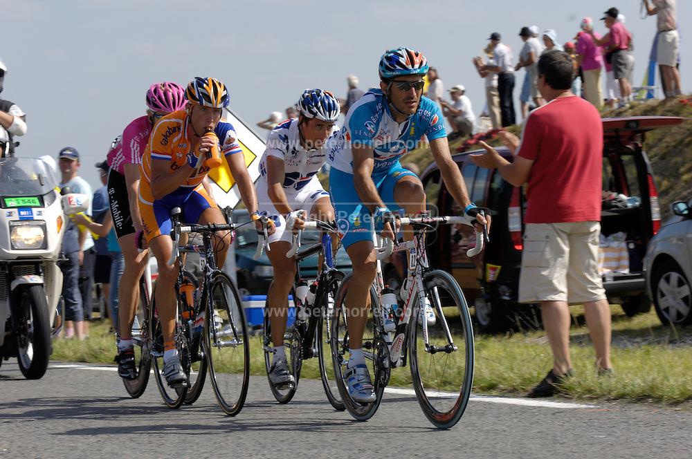 FRANCE, THURSDAY 27th JULY 2007:  Stage 18 Cahors - Angouleme, 211km. The decisive break of the stage featured Laurent Lefevre (Bouygues Telecom), Sandy Casar (Francaise des Jeux), Michael Boogerd (Rabobank) and Axel Merckx (T-Mobile).