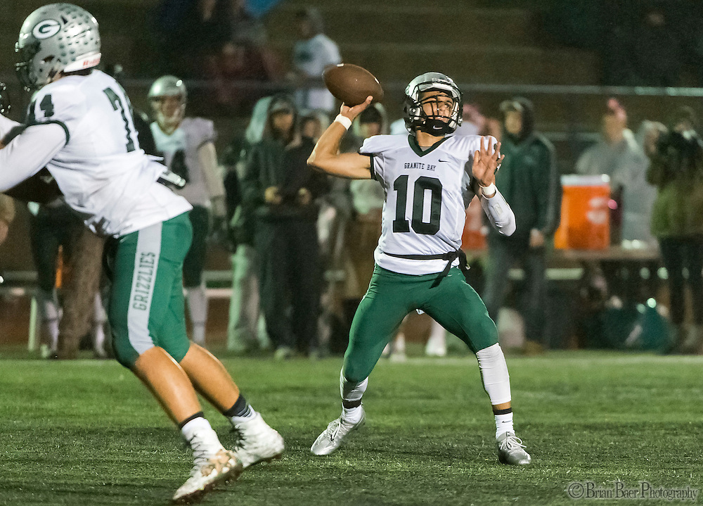 Granite Bay Grizzlies Jade Foddrill (10), passes the ball during the second quarter as the Oak Ridge High School Trojans host the Granite Bay Grizzlies, Friday Oct 14, 2016.<br /> photo by Brian Baer
