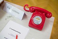 DEU, Deutschland, Germany, Berlin, 10.12.2016: Rotes Telefon, Geschenk für Klaus Lederer, beim Landesparteitag von Die Linke im WISTA-Veranstaltungszentrum Adlershof.