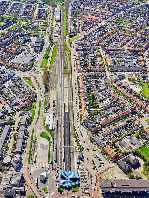Nederland, Noord-Holland, gemeente Den Helder, 07-05-2021; centrum Den Helder, Oud Den Helder. Stationsgebied, NS station.<br /> Center of Den Helder, Old Den Helder. Railway station, NS.<br /> luchtfoto (toeslag op standard tarieven);<br /> aerial photo (additional fee required)<br /> copyright © 2021 foto/photo Siebe Swart