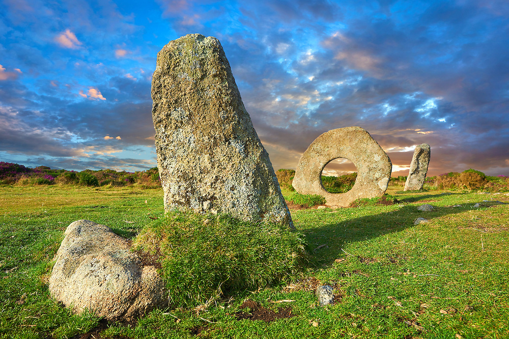 Mên-an-Tol or Men an Toll locally as the Crick Stone,  late Neolithic or early Bronze Age standing stones, near the Madron, Penwith peninsula, Cornwall, England '<br /> <br /> Visit our PREHISTORIC PLACES PHOTO COLLECTIONS for more  photos to download or buy as prints https://funkystock.photoshelter.com/gallery-collection/Prehistoric-Neolithic-Sites-Art-Artefacts-Pictures-Photos/C0000tfxw63zrUT4